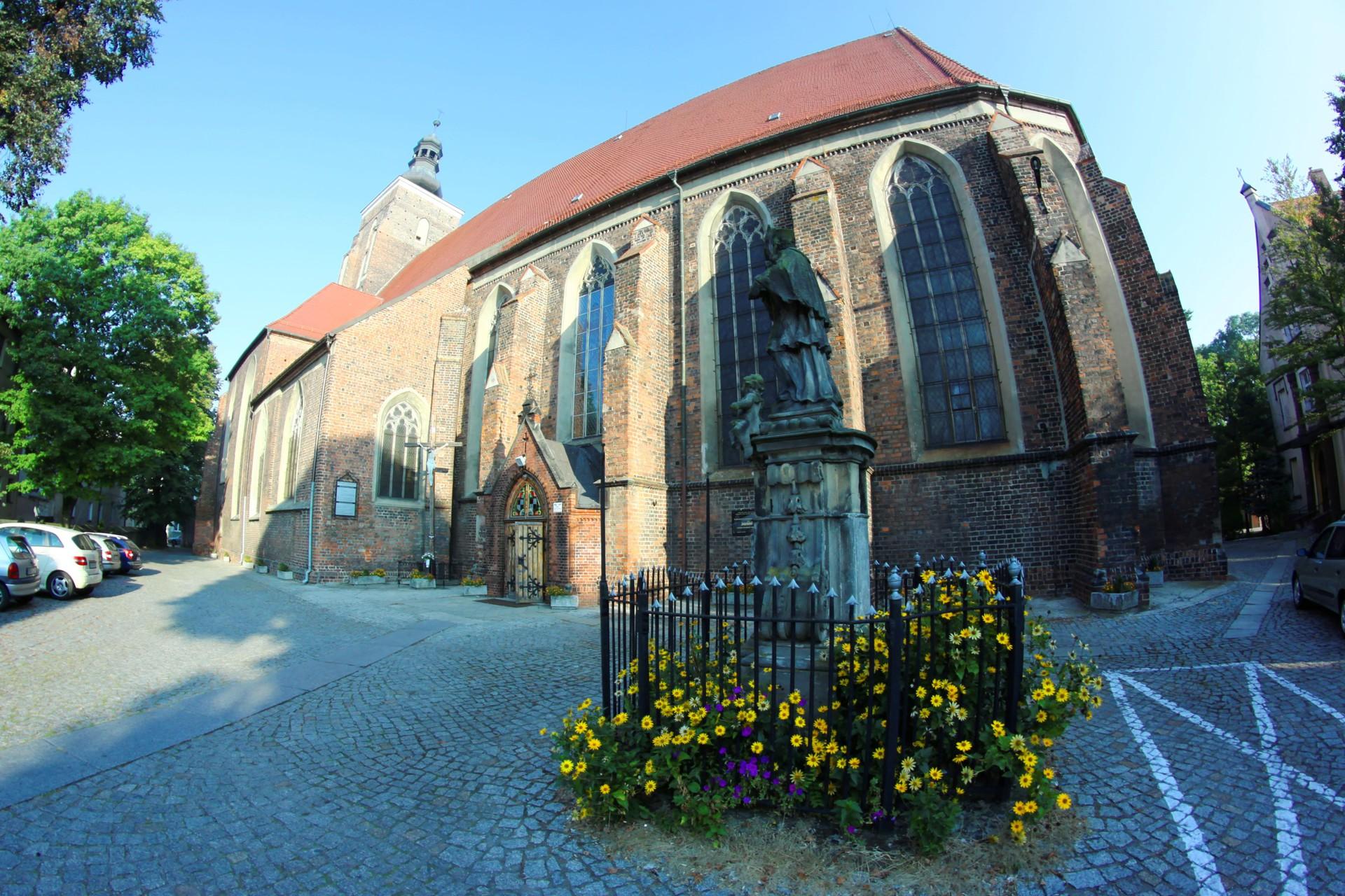 Kościół Piotra i Pawła.jpeg