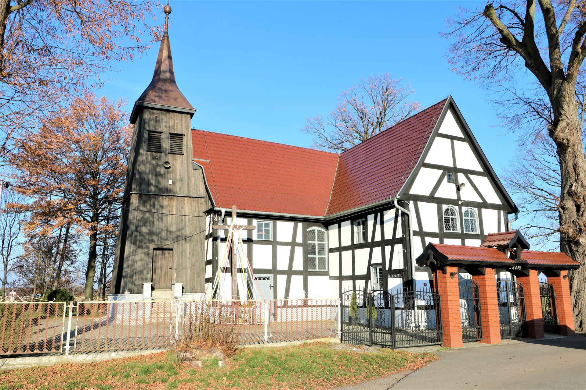 Krasowice kościół.jpeg