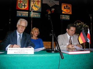 Linz nad Renem - podpisanie umowy.jpeg