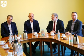 Galeria Podpisanie umowy pomiędzy klubami piłkarskimi